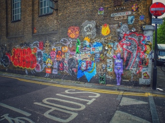 How to become a London hipster for a day / Spend a Sunday in London´s East End how I would do it - The colourful side of London you may not know about #londonseastend #colorfullondon #londonblog #travelblog #conciergeontheway #londonhipster